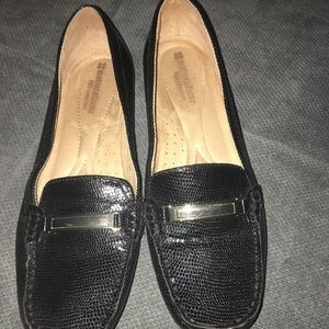New Womens naturalizer loafers size 8.5